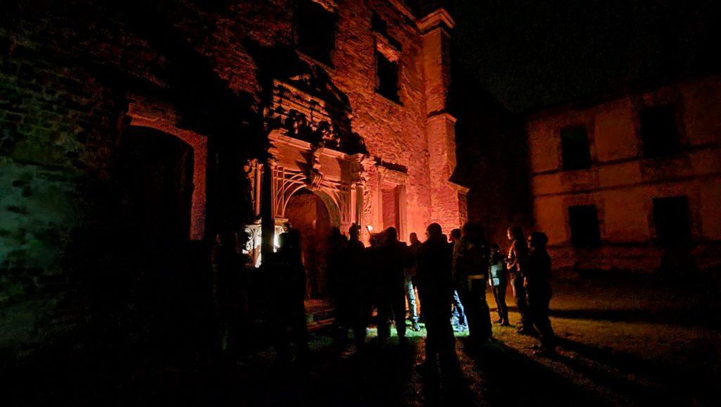 nocne zwiedzanie zamku