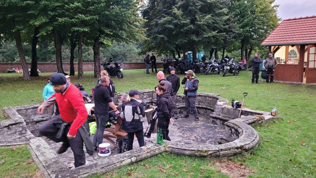 Fontanna na zamku Karolat Siedlisko
